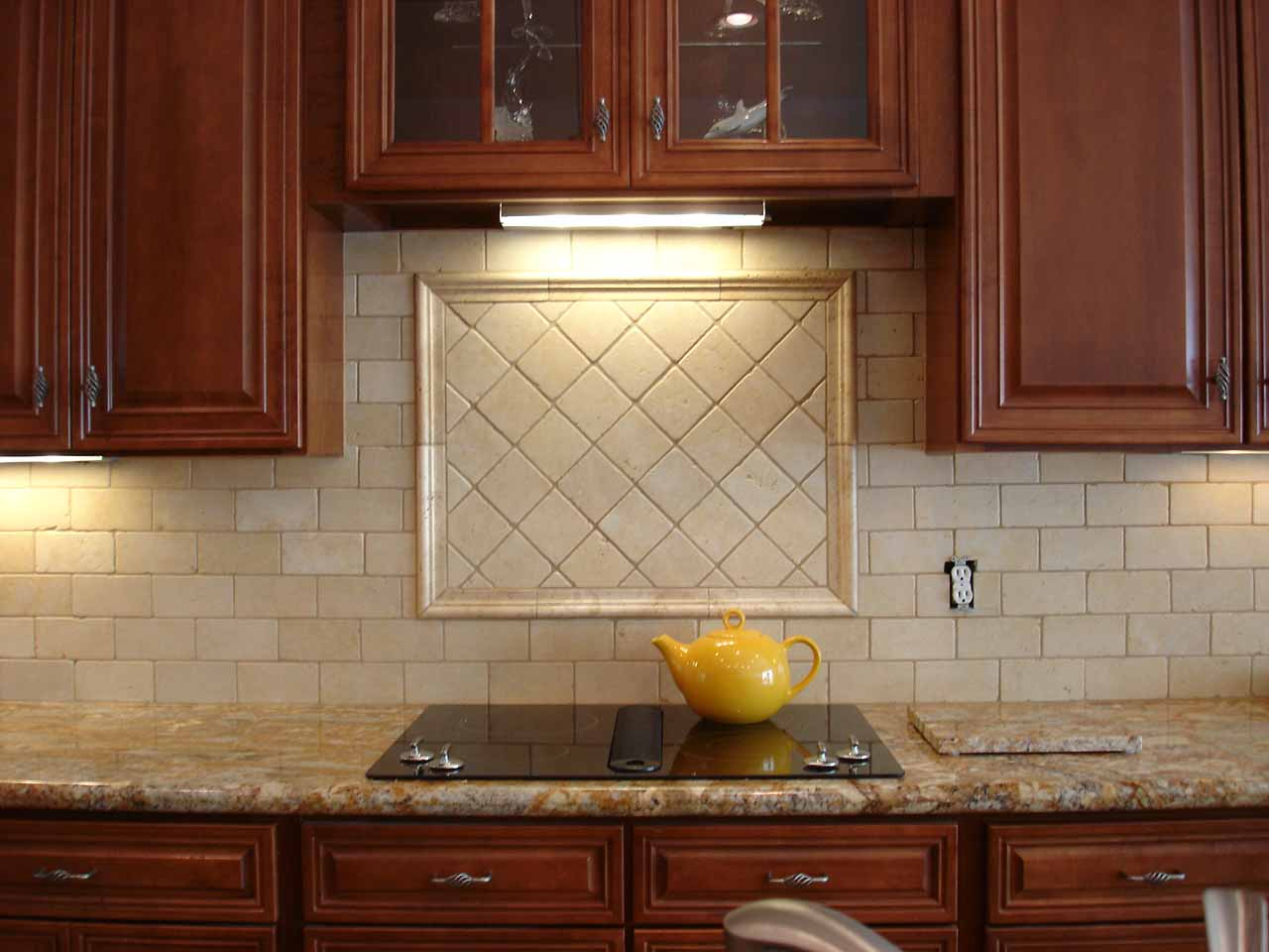 Charmant Ideal Back Splash Tile Also Wooden Cabinet And Granite Top Plus INduction  Stove
