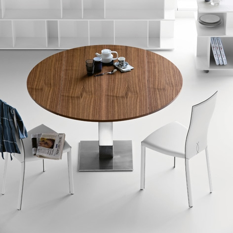 Lovely Style of Modern Round Dining Table With Chrome Leg