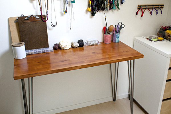 Minimalist Style of Contemporary Office Desk Using Wooden Top and Iron Legs