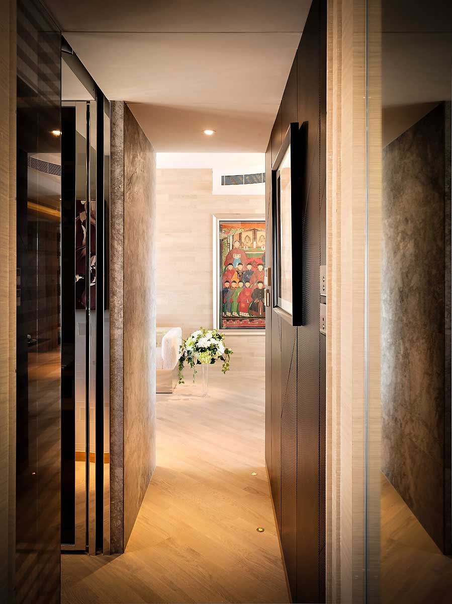 Neat Hallway Of Small Apartment With Natural Wooden Floor Tile