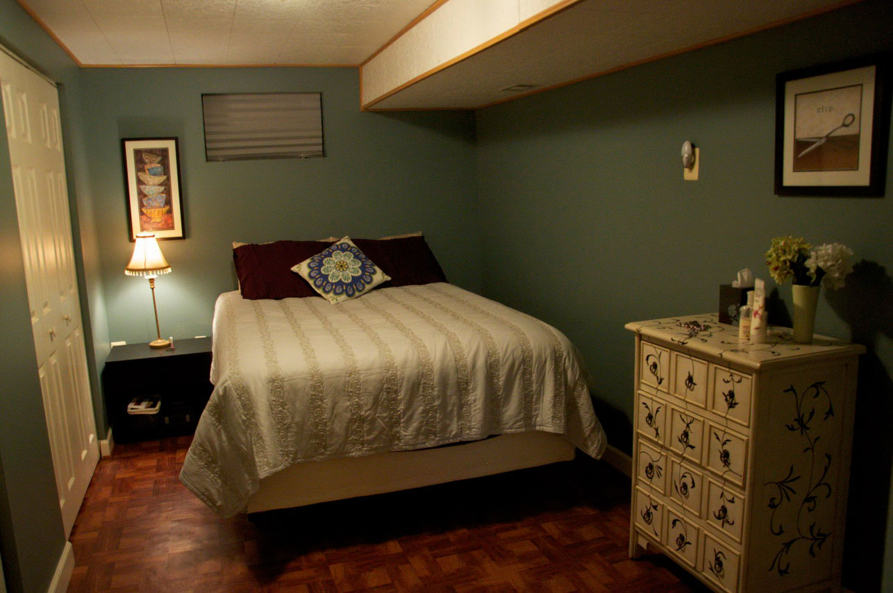 6 basement bedroom ideas to create perfect basement for Basement bedroom