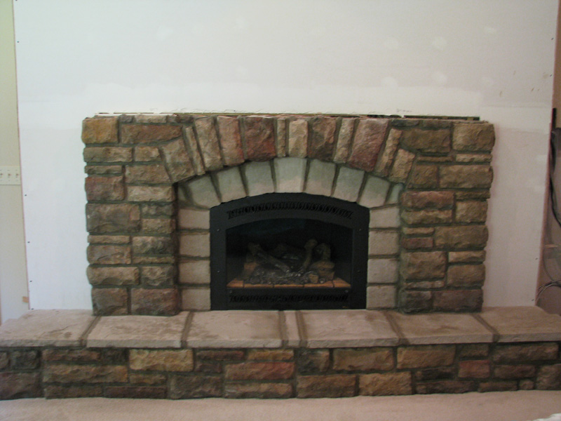 Simple Design Of The Fireplace Stone Veneer With White Wall Ideas As Well As The Decoration Ideas
