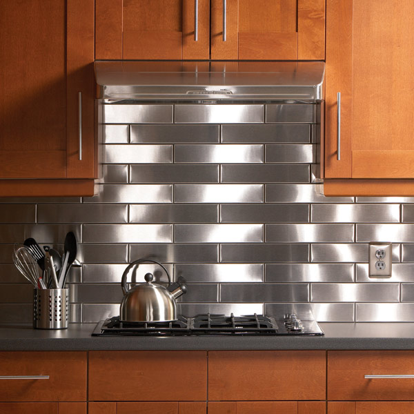 Stunning Stainless Steel Back Splash Decor To DEcorate Natural Wooden Cabinet