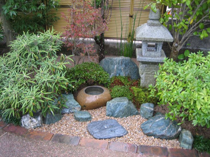 Superb Japanese Garden With Big Rock Near Fresh Tree And Nice Gravel
