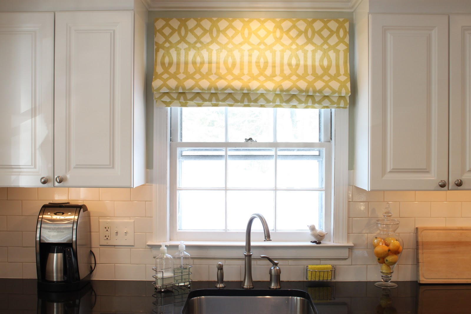 Attirant Wonderful Kitchen Using Folding Window Treatments Ideas Also Dark Countertop