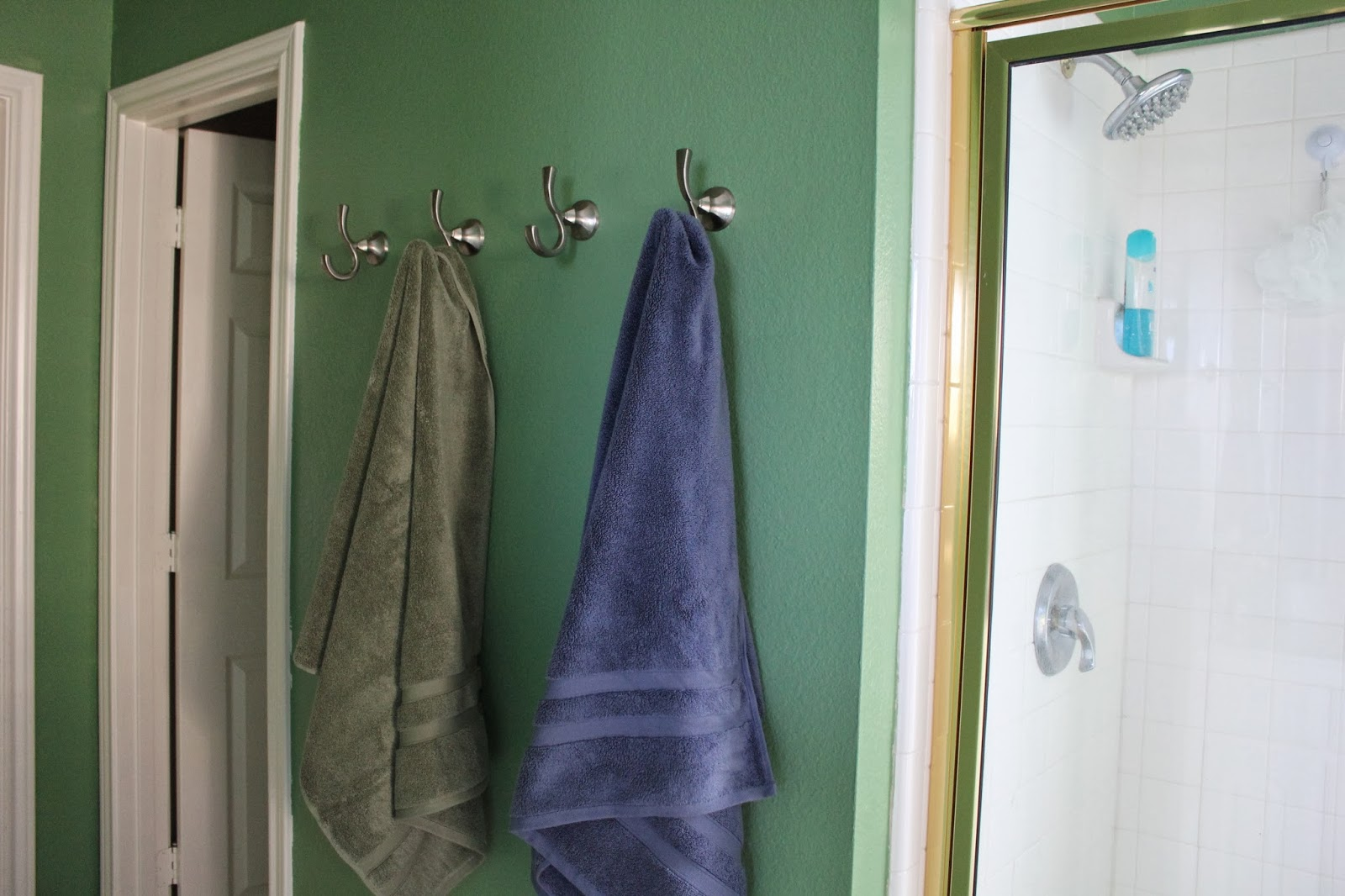Awesome Bathroom Decor Using Stainless Steel Wall Hook Rack and Tosca Paint