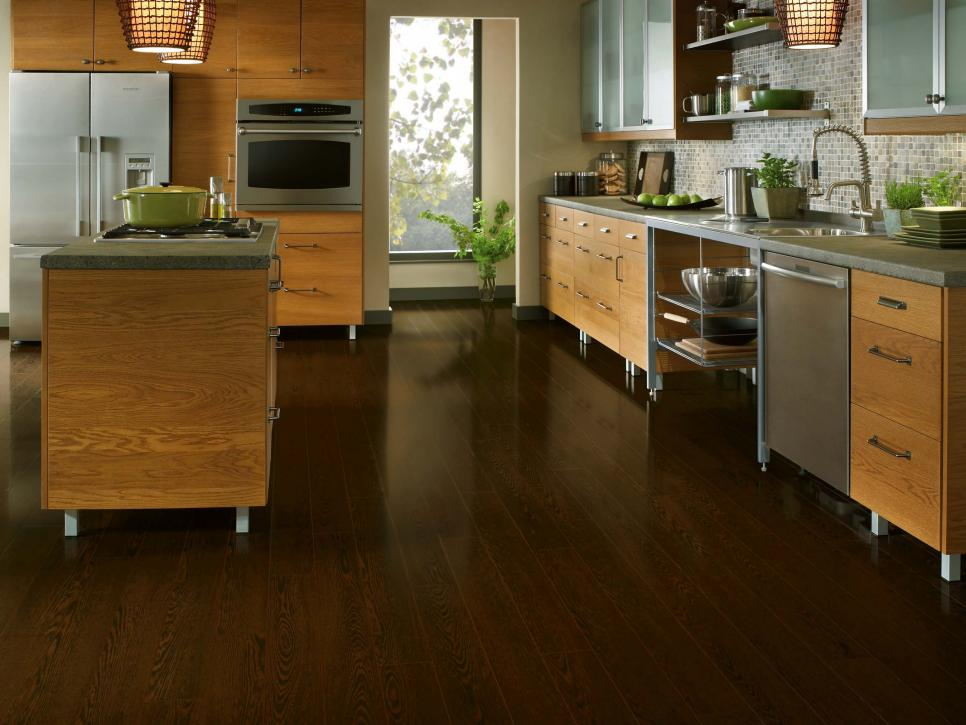 Genial Awesome Kitchen With Best Wood Flooring Options Also Nice Cabinet