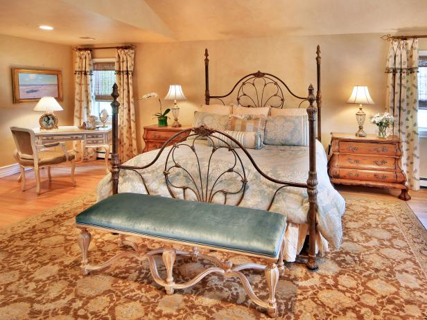 Dainty Rod Iron Beds and Long Bench on Spacious Rugs