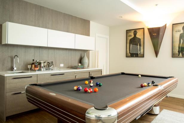 Exceptionnel Graceful Room Design Using Simple Cabinet And Neeat Pool Tables