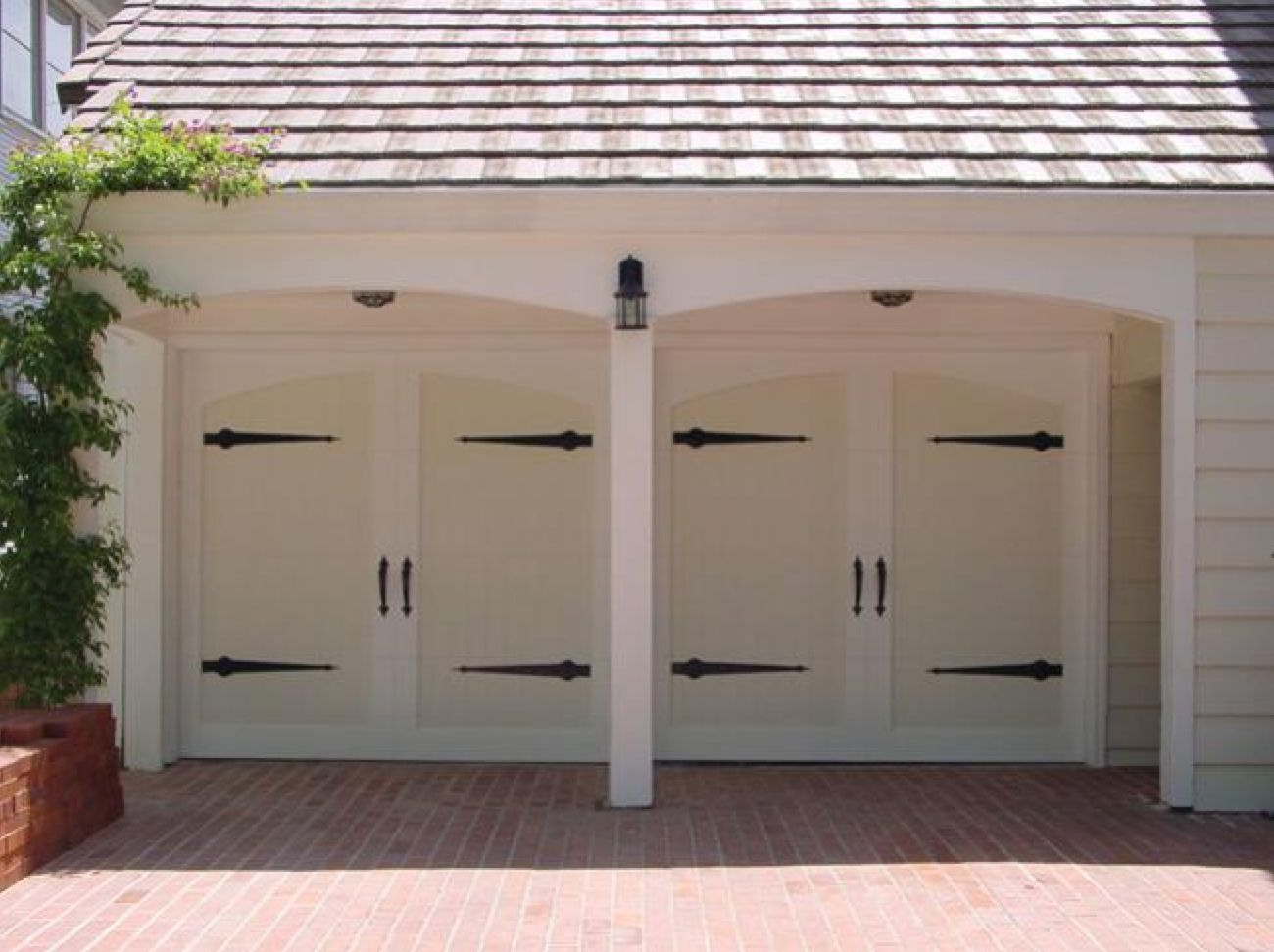 Knowing garage door styles to have the best one for you for Garage doors