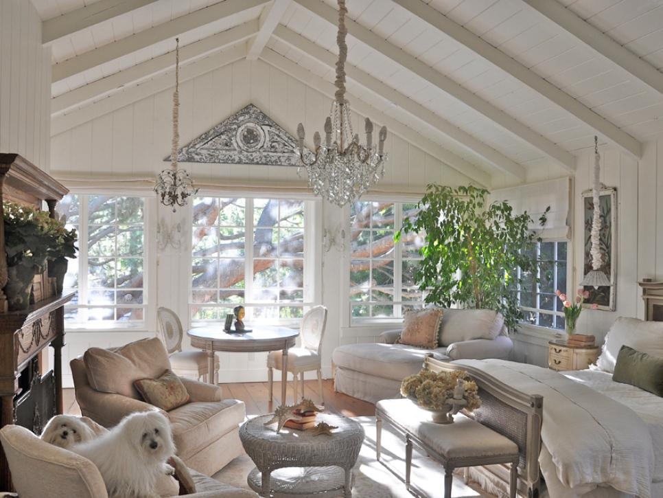 Beau Interesting Country Cottage Decor Uisng Slanting Ceiling Also Frantic  Chandeliers