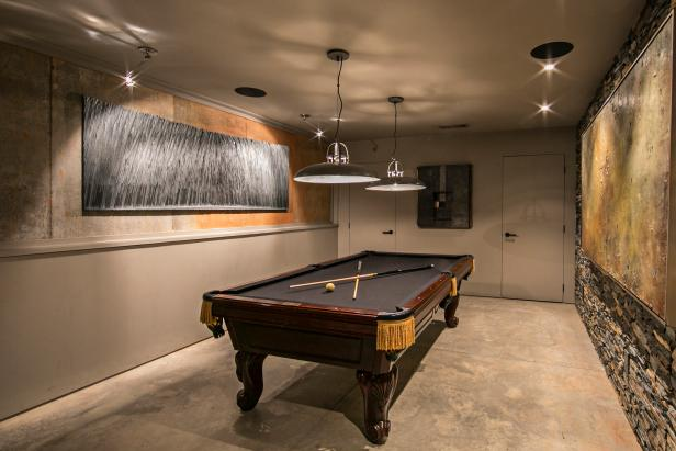 Taking Interior Room Using  Ceiling Lamp plus Horrible Pool Tables