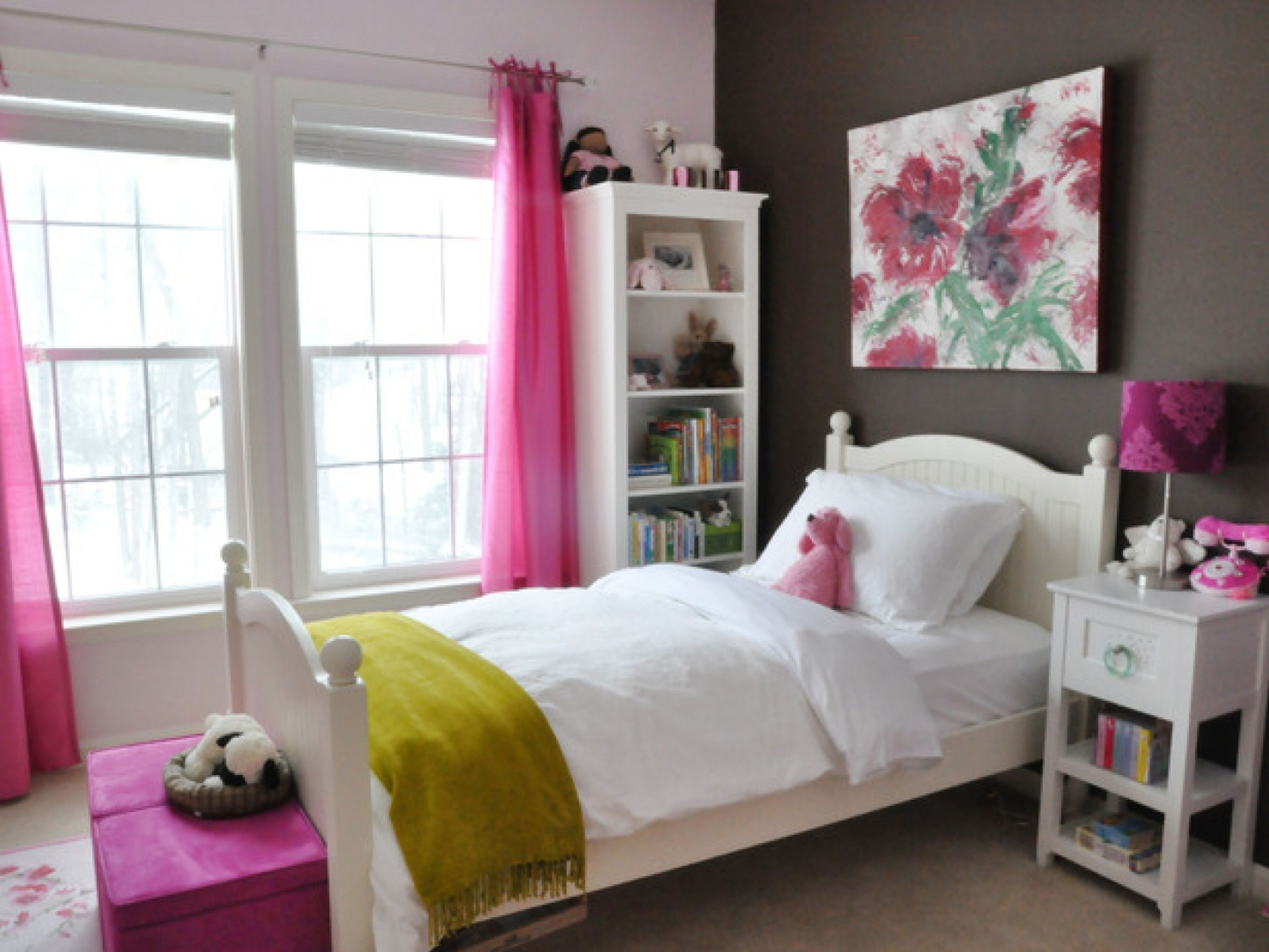 Graceful Tween Bedroom Using Pink Window Curtains and Benches Decor