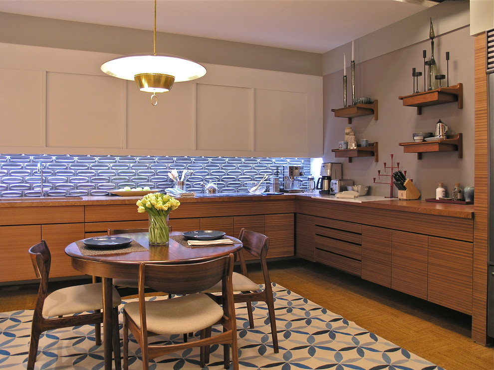 Merveilleux Luring Kitchen With Cabinet Also Blue Natural Stone Backsplash Plus Dining  Table