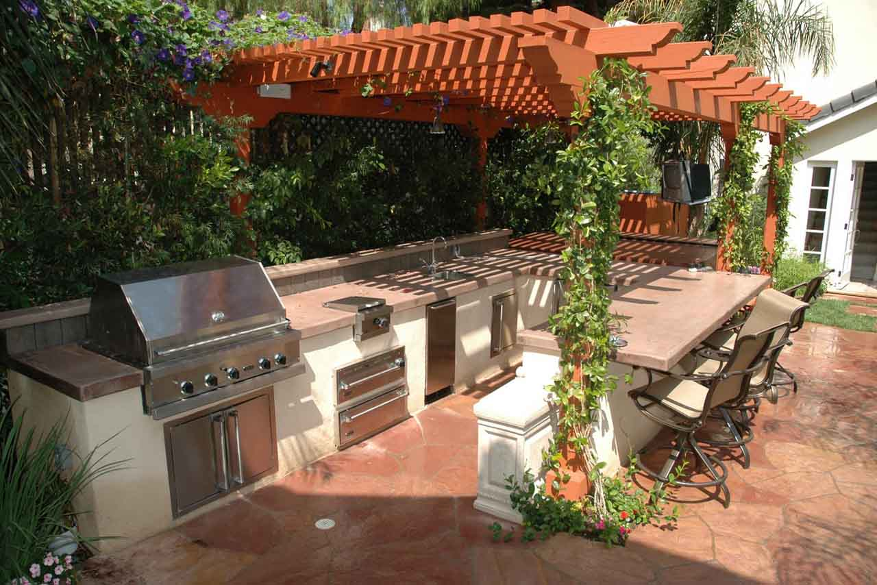Outdoor kitchen design how to design outdoor kitchen for Kitchen outdoor picture