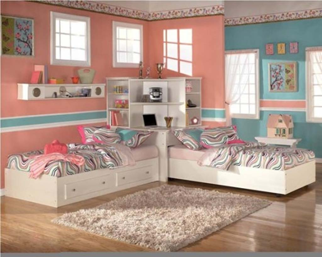 Seductive Tween Bedroom Ideas With Lush Beds and Book Shelve