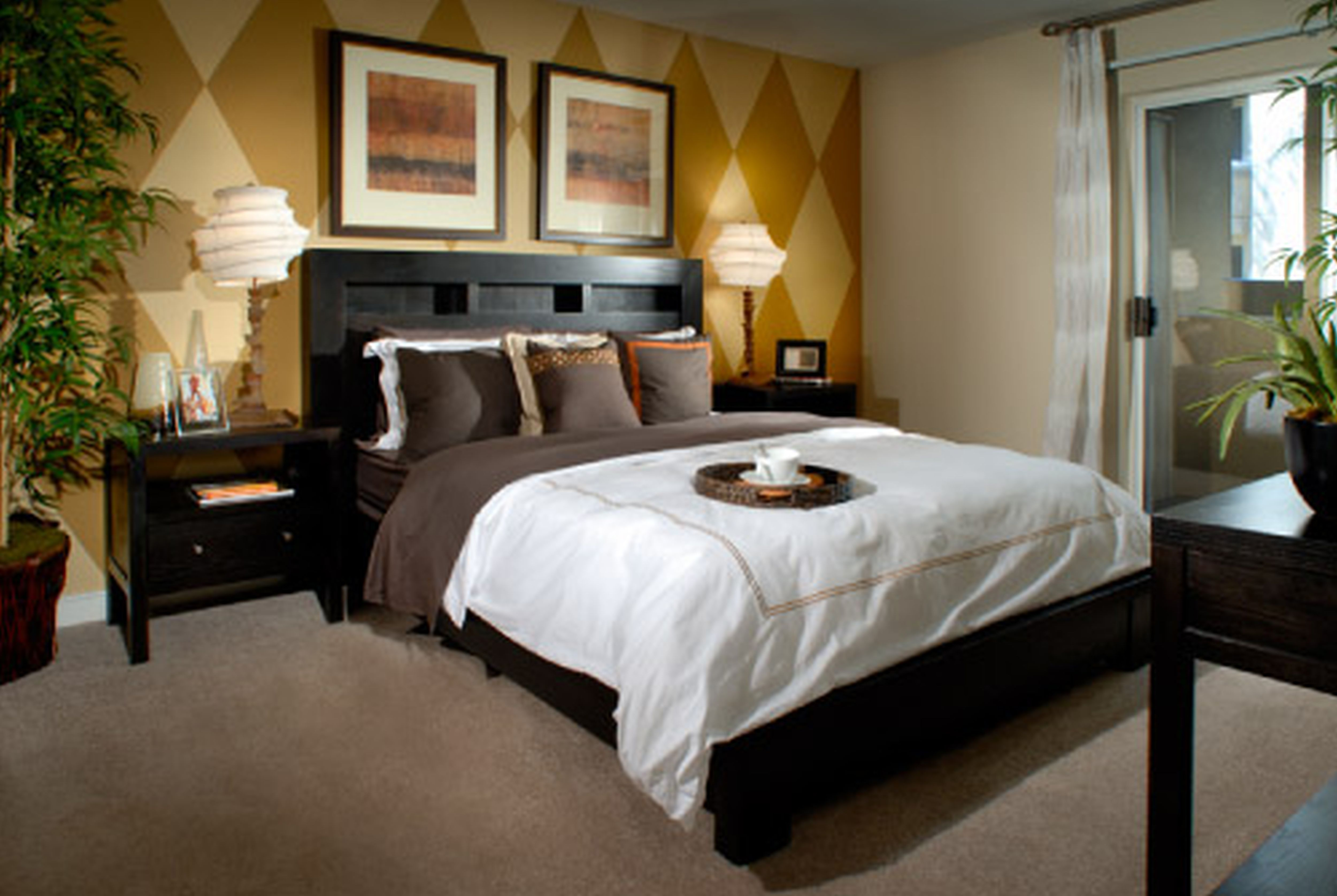 Small Apartment Bedroom With Luring Background and Lighting Plus Bed