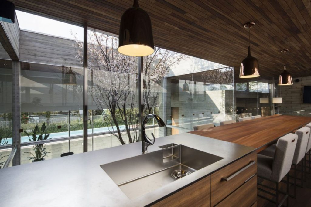 Ordinaire Captivating Interior Kitchen Japanese Style House With Dark  Pendant Light Shade
