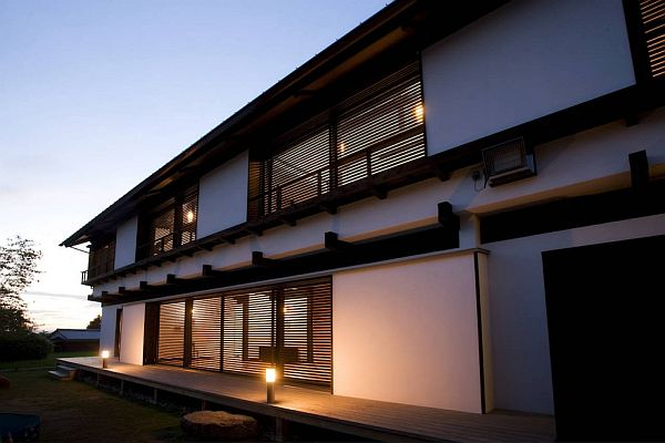 Fantastic Exterior Japanese Stye House With Chic Lighting Fixture Idea