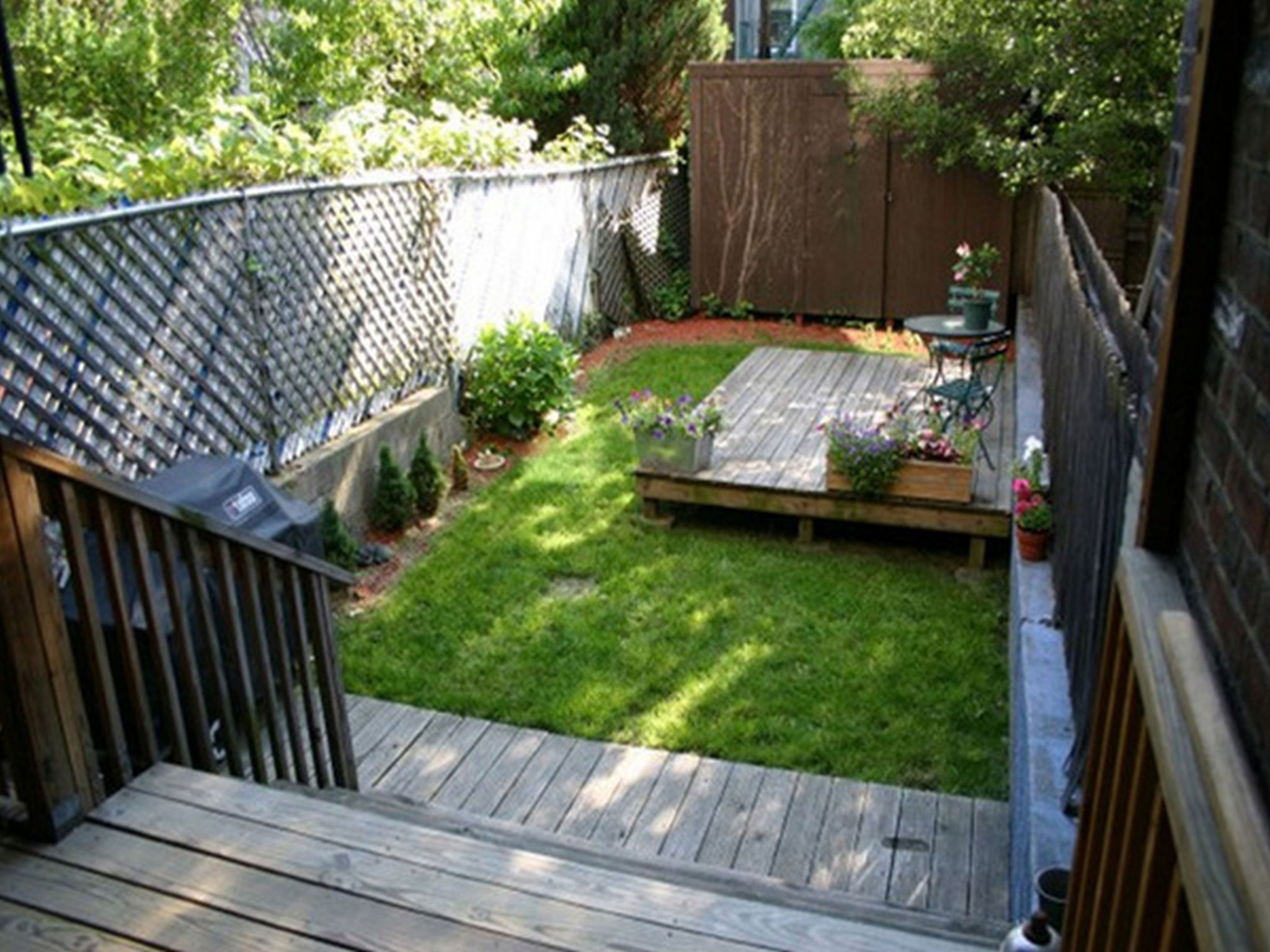 Create your beautiful gardens with small backyard for Outdoor patio landscaping