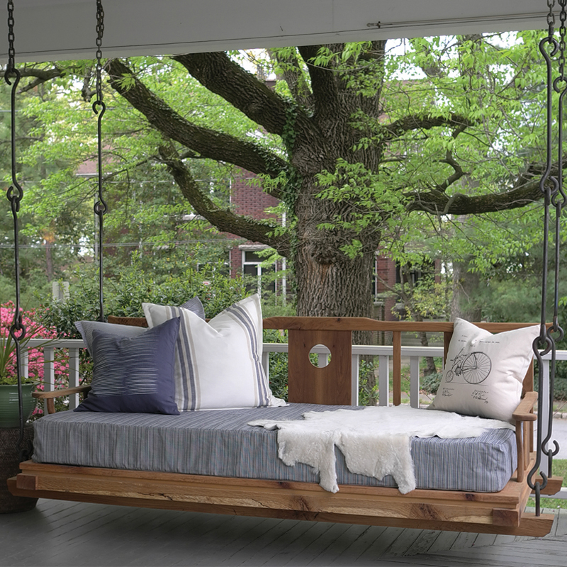 Ideas and things to consider before buying an outdoor bed for Round hanging porch bed