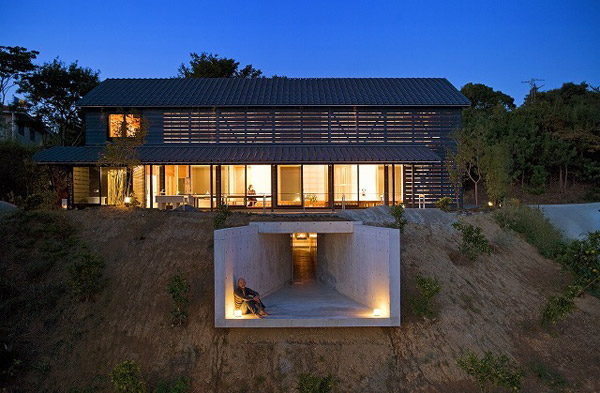 Luring Barn Japanese Style House With Seductive Lighting FIxture Idea