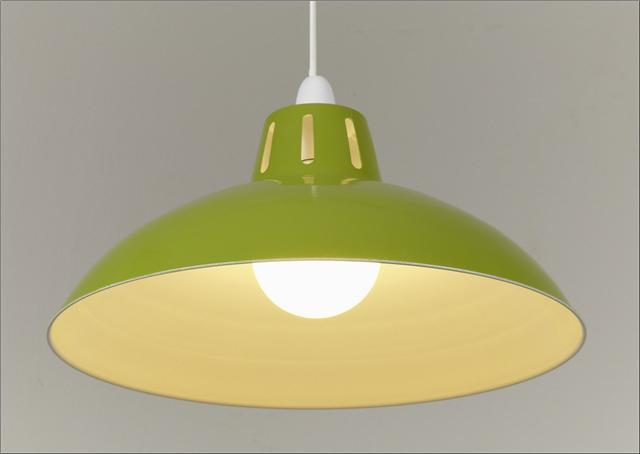 Marvelous Pendant Lighting Design Using Green Lamp Shade and Baloon Lamp