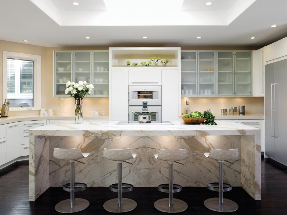 Nervous Bar Table And Stools Plus Beige Wall Kitchen Color Trends