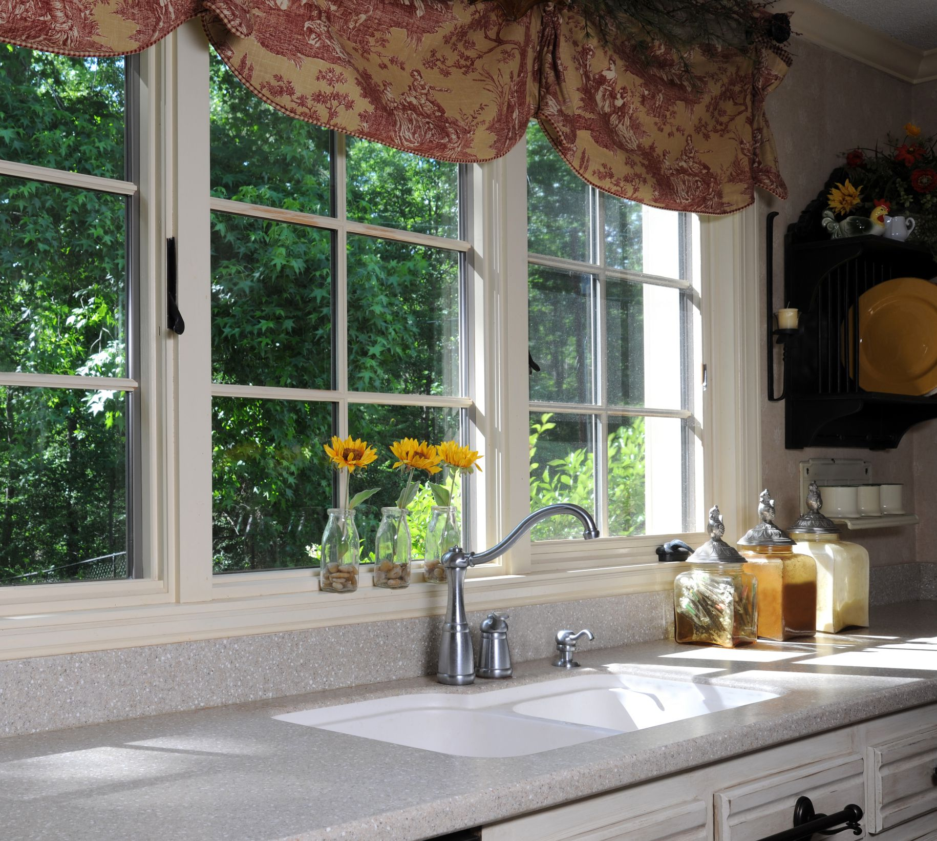 Kitchen Window Furnishings Ideas: 4 Kitchen Window Ideas To Get A Unique And Interesting