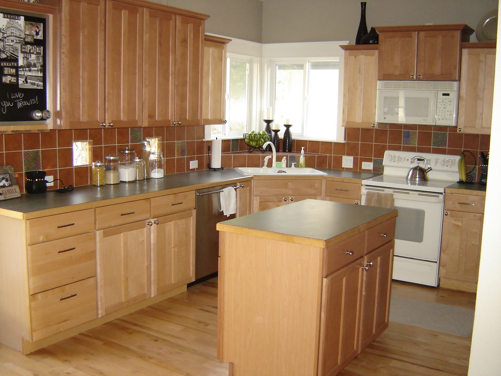 Inspiring kitchen countertops ideas and tips which can for Kitchen island with cupboards