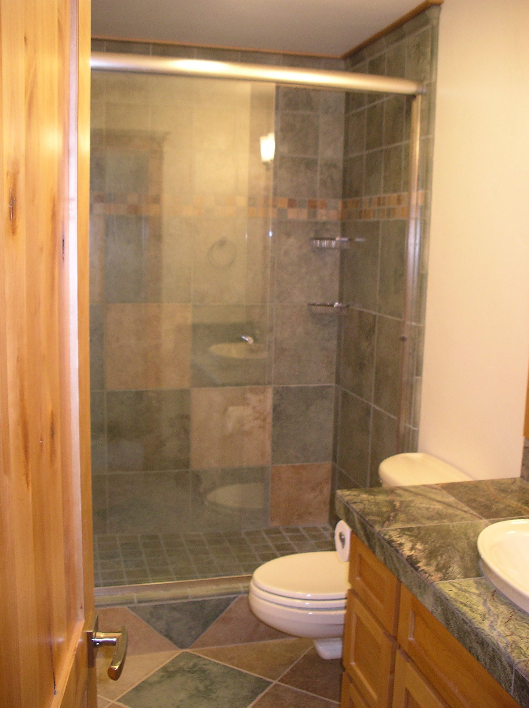Tips and tricks in small bathroom renovation midcityeast for Pictures of renovated small bathrooms