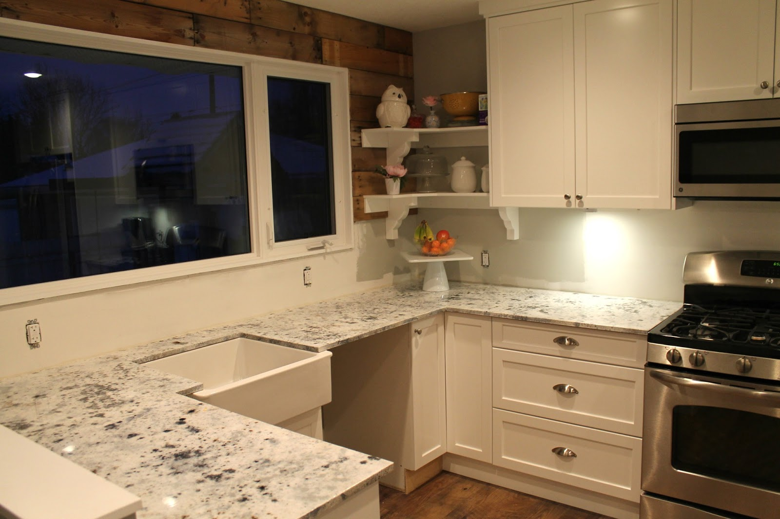 Wonderful Granite Kitchen Countertop For Modern Cabinet With Square Sink