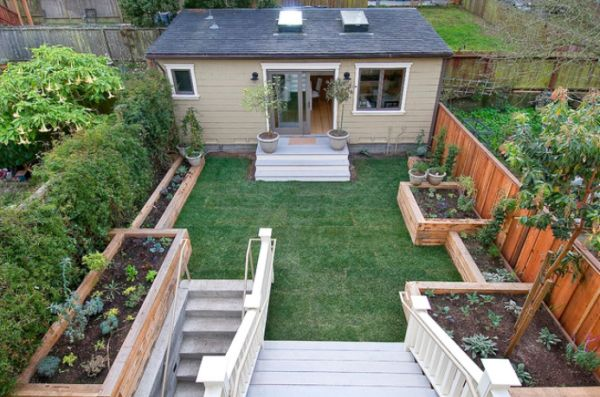 Wonderful Prefab Small House With Luring Backyard Design and Fence